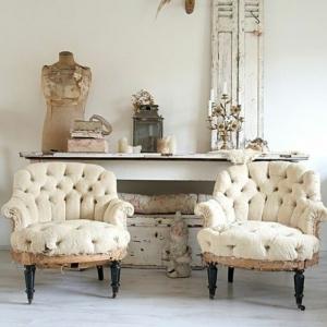 Le fauteuil blanc comme décoration