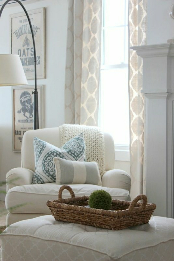 fauteuil-blanc-fauteuil-blanc-et-grand-tabouret-blanc