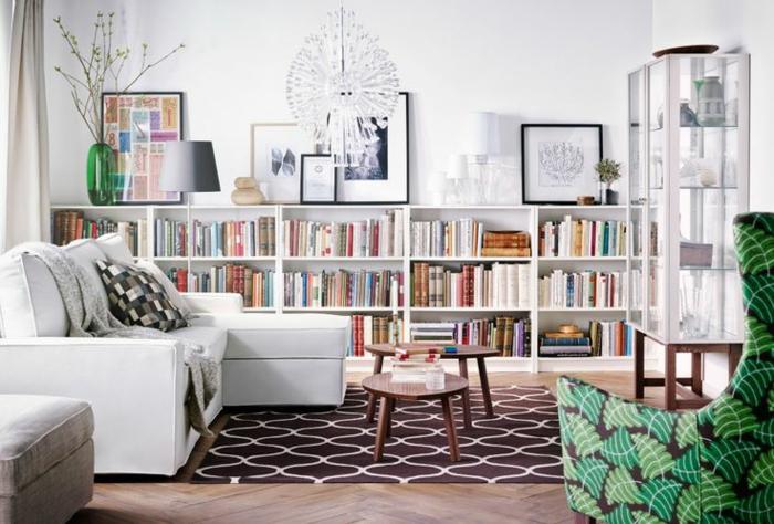 fauteuil-blanc-salon-moderne-grand-fauteuil-blanc-et-bibliothèque-blanche