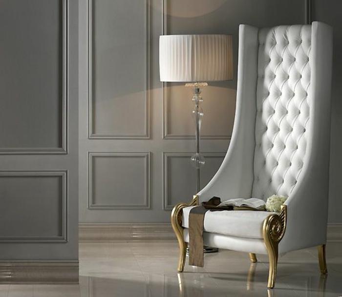 fauteuil-blanc-vintage-magnifique-à-haut-dossier