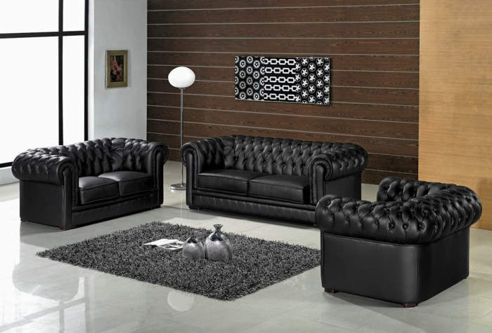 fauteuil-club-ikea-avec-un-joli-canapé-club-en-cuir-noir-pour-le-salon-de-luxe-avec-carrelage-gris