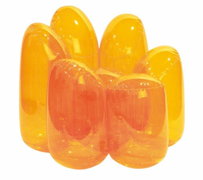 fauteuil-gonflable-transparent-de-couleur-jaune-pour-chez-vous-quel-type-de-meubles-gonflables