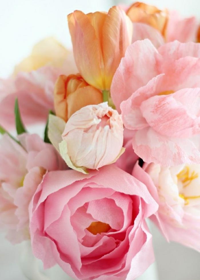 fleur-papier-crepon-facile-créer-une-fleur-vous-mêmes-jolie-bouquet-fleurs-papier-des-pavions