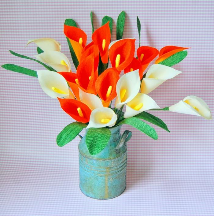fleur-papier-crepon-mariage-faire-soi-meme-camelle-orange-et-blanc-vase
