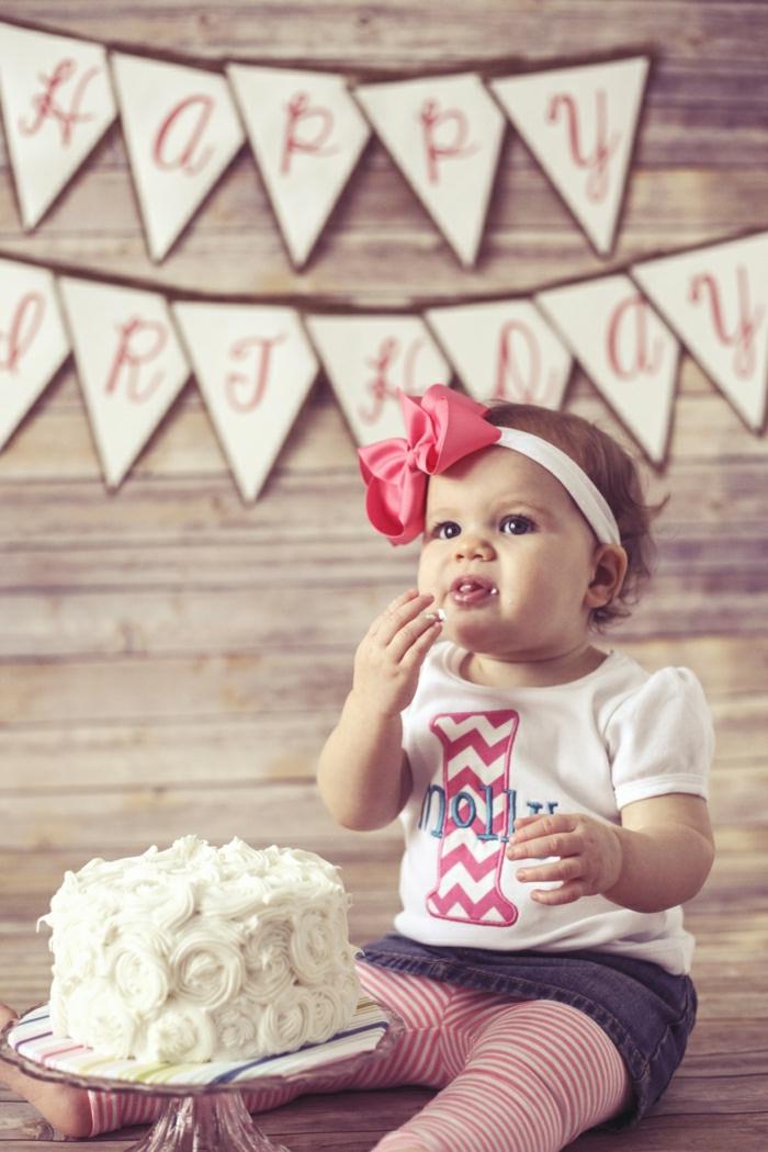 gâteaux-anniversaire-fille-gateau-anniversaire-1-an-fille-idée-déco-gâteau-bébé-fille