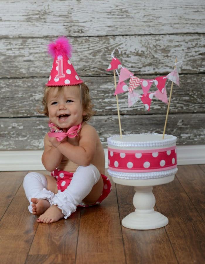 gâteaux-anniversaire-fille-gateau-anniversaire-1-an-fille-idée-déco-gâteau-bébé-sympa