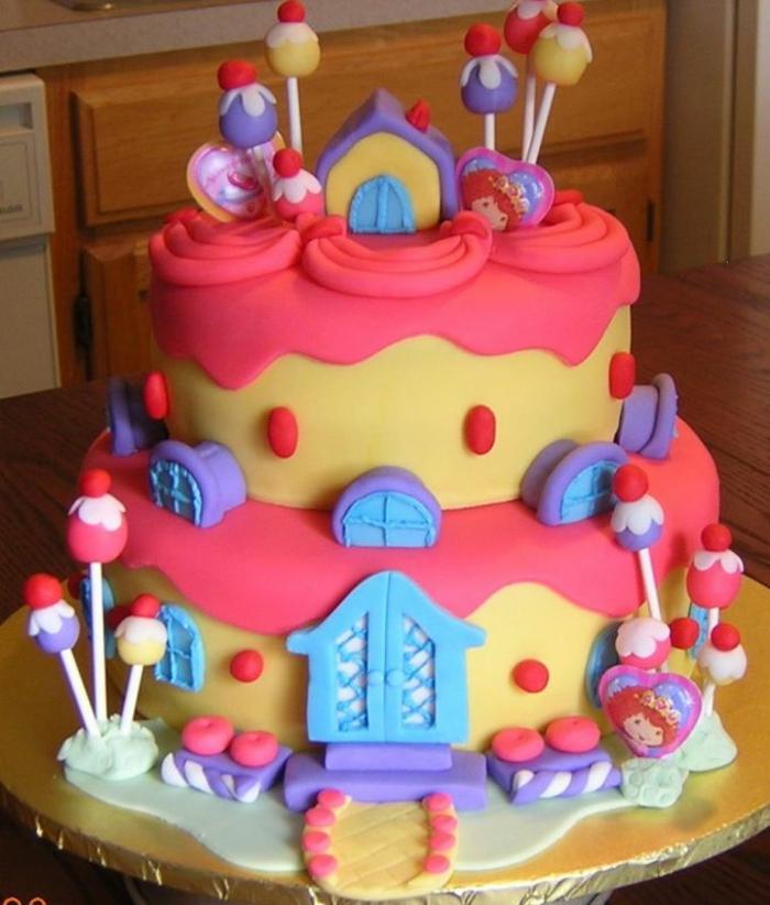 gateau-anniversaire-fille-déco-anniversaire-enfants-gateau-anniversaire-1-an-2-3-4-5-ans-cool