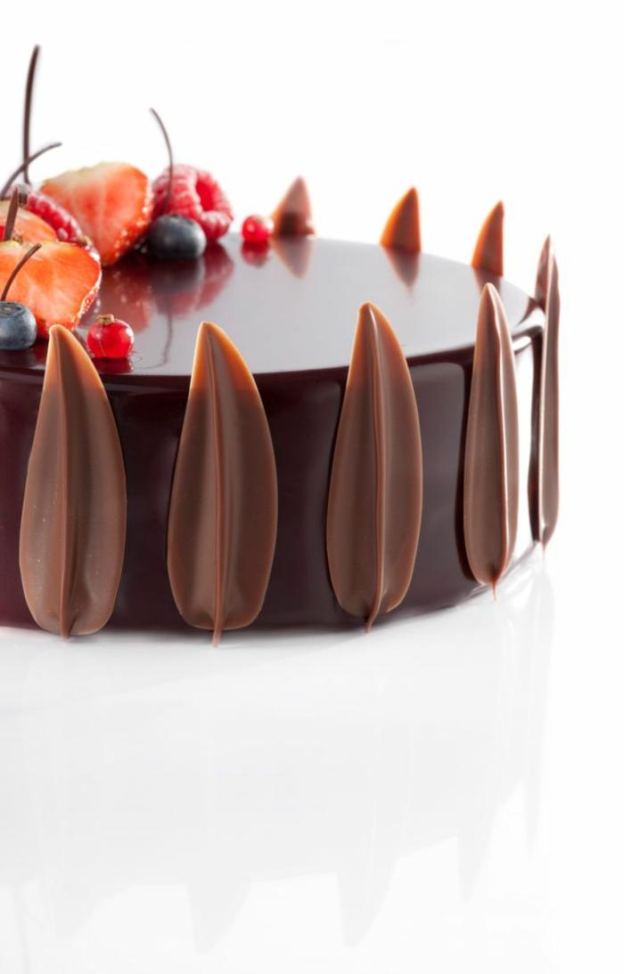 gateau-d-anniversaire-pour-fille-gateau-anniversaire-original-fille-déco-chocolat