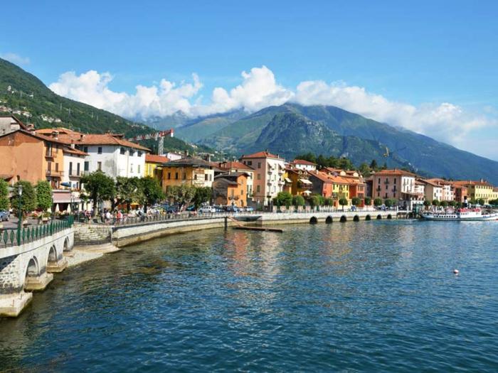 grand-hotel-villa-serbelloni-visiter-lac-de-come-nature-cote-maisons-facades