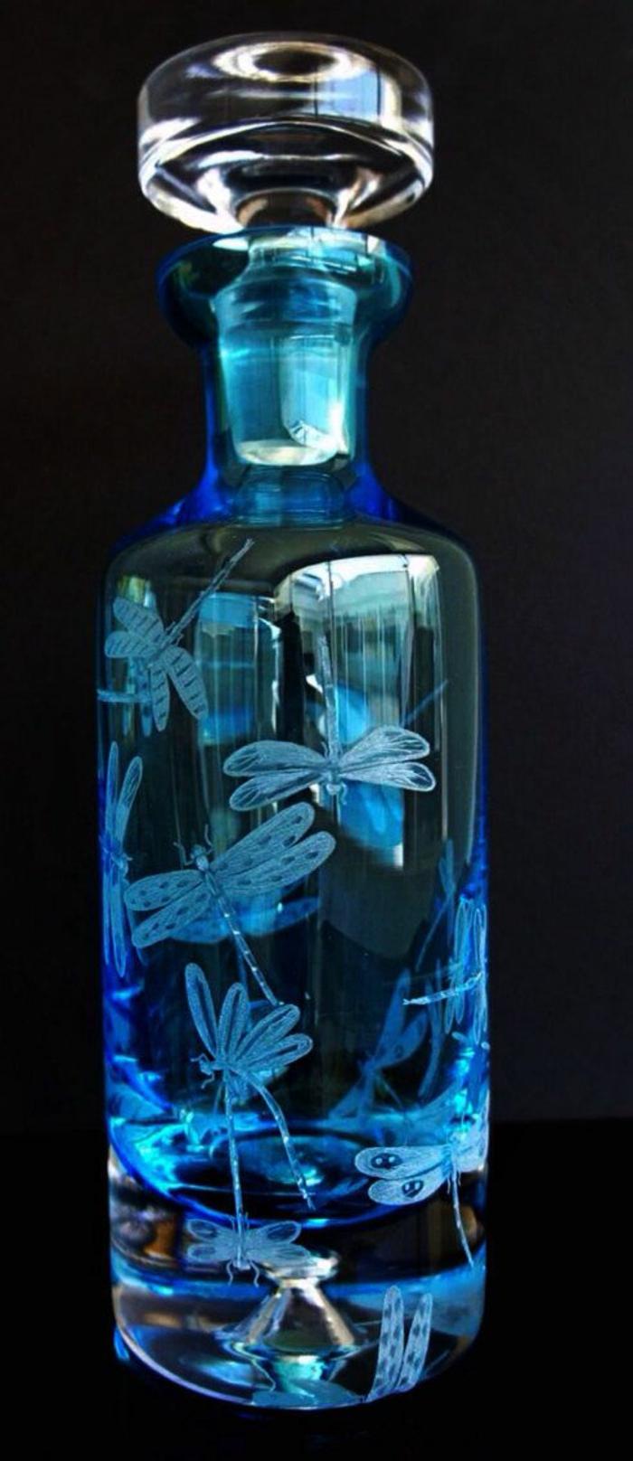 graveur-la-gravure-sur-miroir-gravure-sur-verre-vialon-gravure-jolie-boteil