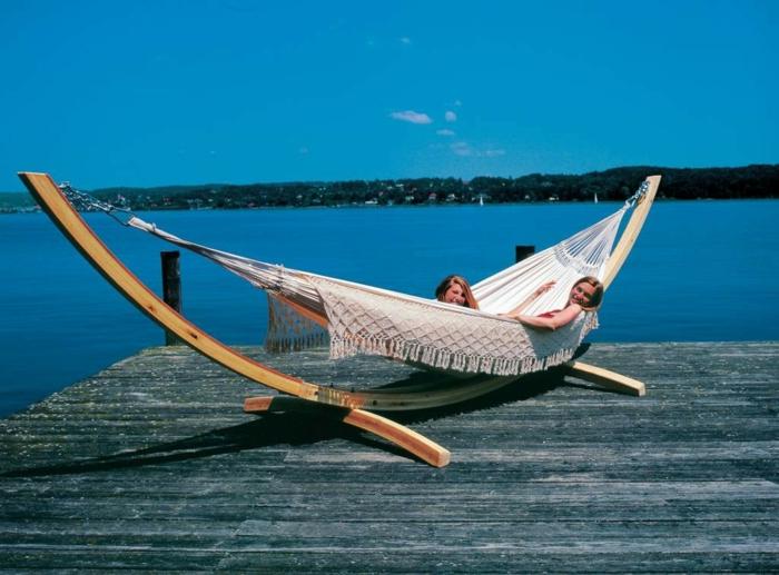 hamac-sur-pied-en-bois-meubles-de-jardin-pas-cher-fateuil-relax-de-jardin