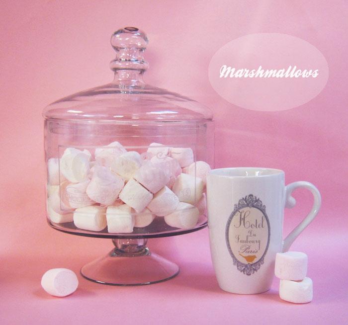 idée-bonbonnière-en-verre-pour-la-deco-chambre-fille-ado-chocolat-chaude-et-marchmellows-cool-déco