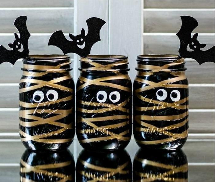 idée-bonbonnière-en-verre-pour-la-deco-chambre-fille-ado-halloween-bonbons-tenir-dans-verre-bocal-diy
