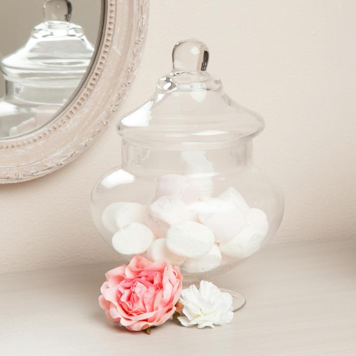 idée-bonbonnière-en-verre-pour-la-deco-chambre-fille-ado-table-de-chevet-rose-marchmellows