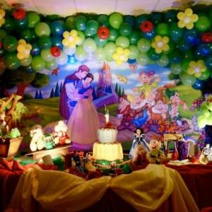 La Blanche Neige et les sept nains - idées décoration festive