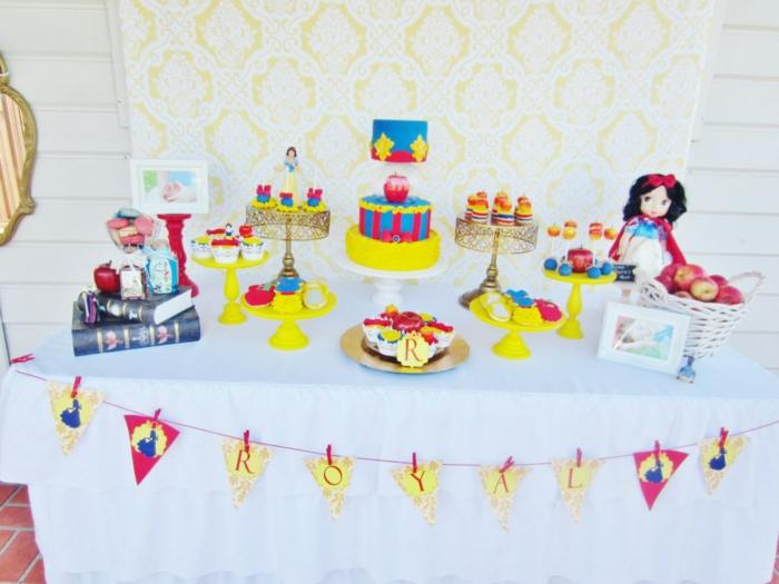 idée-déco-anniversaire-enfant-thèmatique-blanche-neige-table