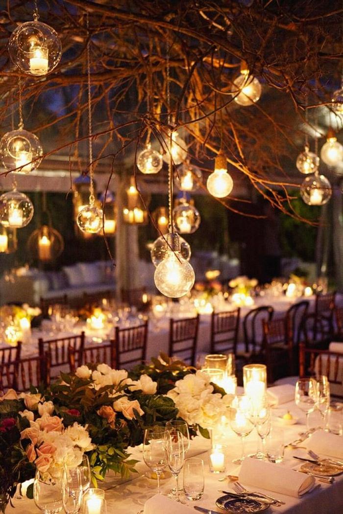 idée-déco-de-table-mariage-idées-déco-mariage-à-faire-soi-meme-les-boules-arbres-fleurs-bougies-magie