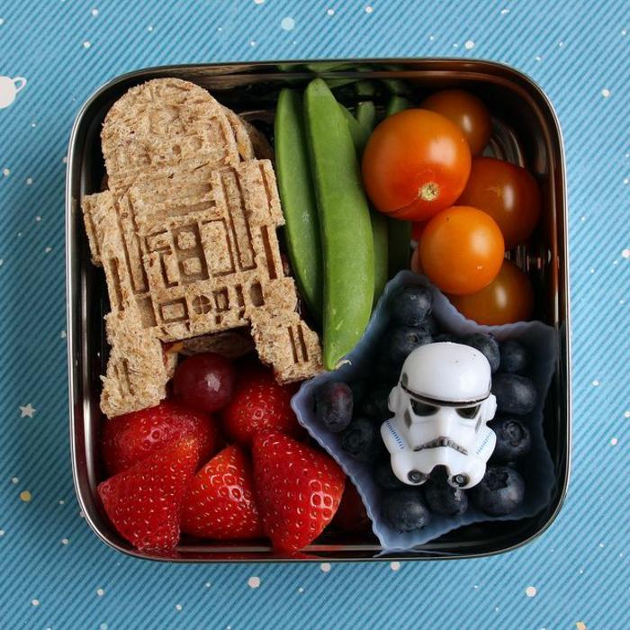 idée-déjeuner-star-wars-cool-amusant-pour-votre-enfant-faire-le-meilleur-petit-déjeuner-équillibré-resized