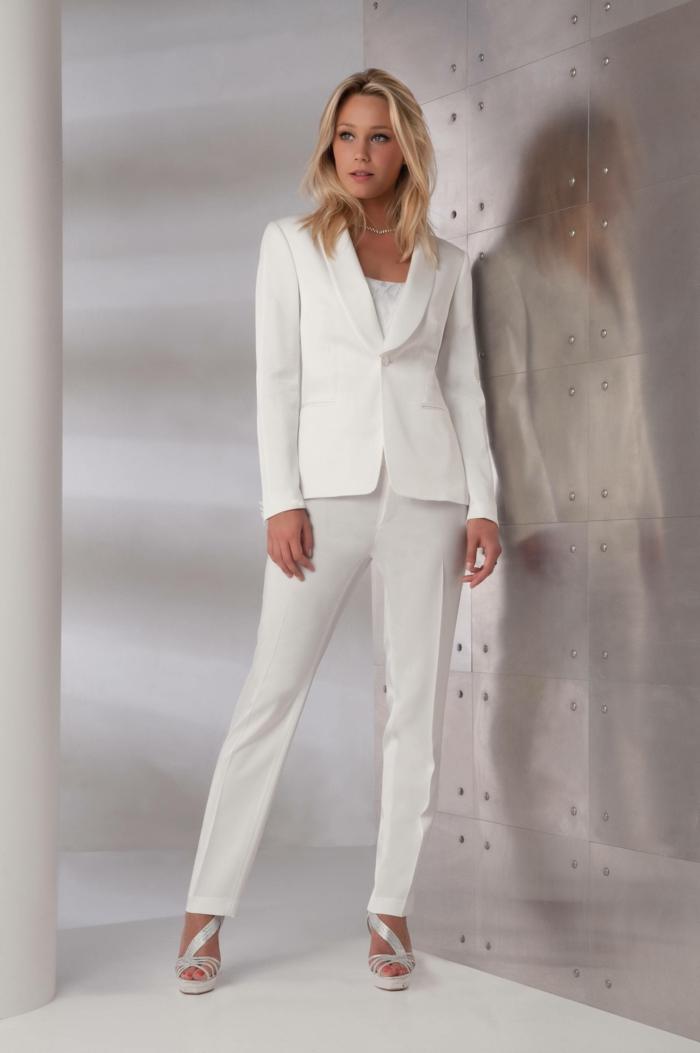 idée-tenue-chic-femme-tailleur-pantalon-femme-ceremonie-idée-vêtement-clanc