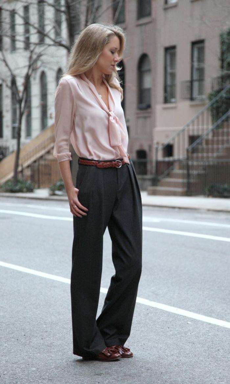 idée-tenue-chic-femme-tailleur-pantalon-femme-ceremonie-idée-vêtement-rose-tenue-chic