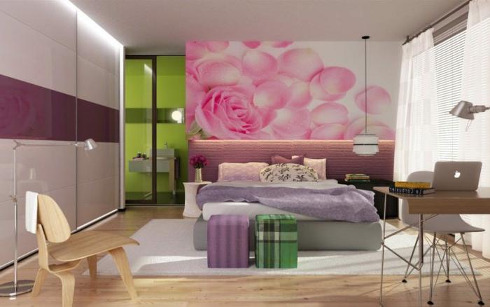 idee-deco-chambre-ado-fille-décoration-murale-avec-une-peinture-décorative-roses-sol-en-parquette