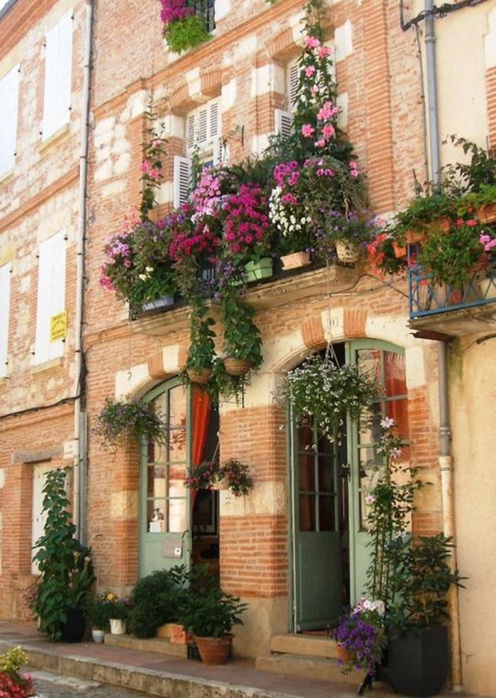 Comment avoir un balcon fleuri id es en 50 photos - Balcon de ville ...