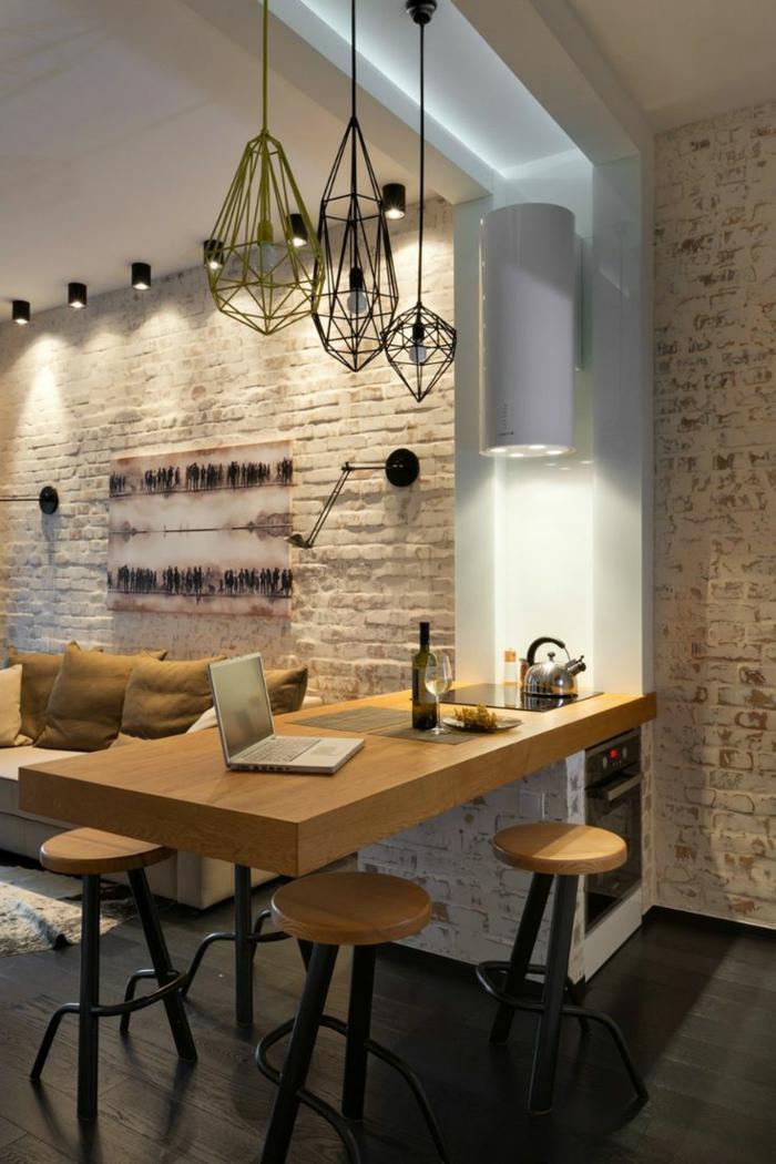 ilot-central-cuisine-pas-cher-îlot-de-cuiisne-en-bois-clair-pour-la-cuisine-moderne-avec-mur-de-briques