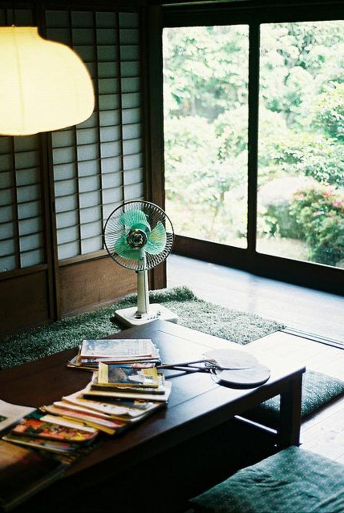 intérieur-japonais-deco-japonaise-lustre-blanche-dans-le-salon-de-style-japonais