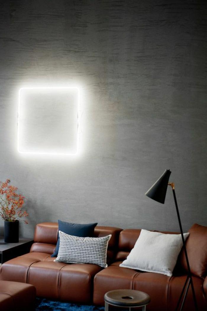 joli-canapé-moderne-en-cuir-marron-dans-le-salon-avec-fauteuil-club-cuir-vieilli