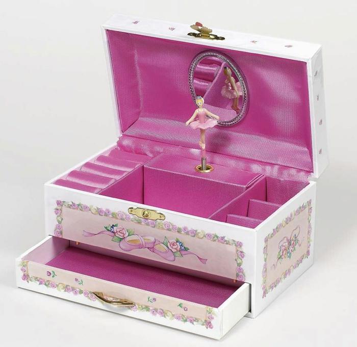 jolie-boite-a-bijoux-musicale-avec-ballerine-coffret-bijoux-bois-chabie-chique