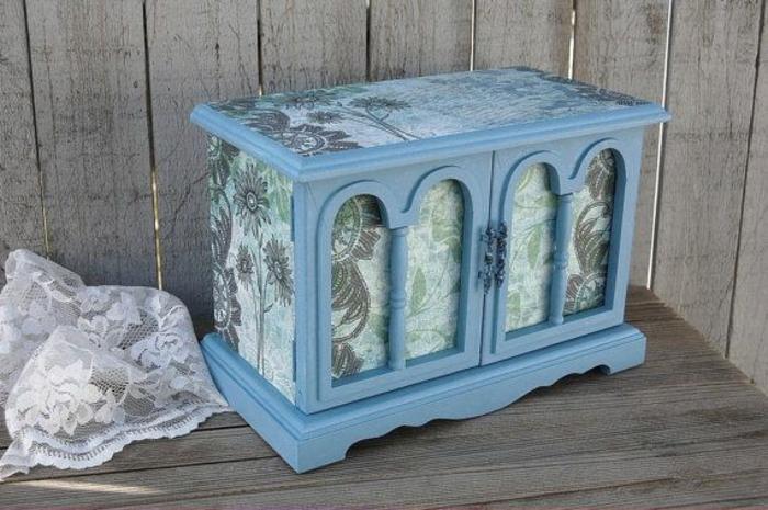 la-boite-a-musique-aménagement-boite-a-bijoux-enfant-bleue-diy-idée