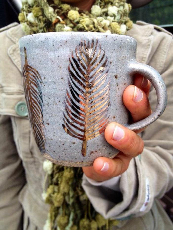 la-personnalisation-mug-personnalisée-mug-isotherme-personnalisable-idée-plume-or