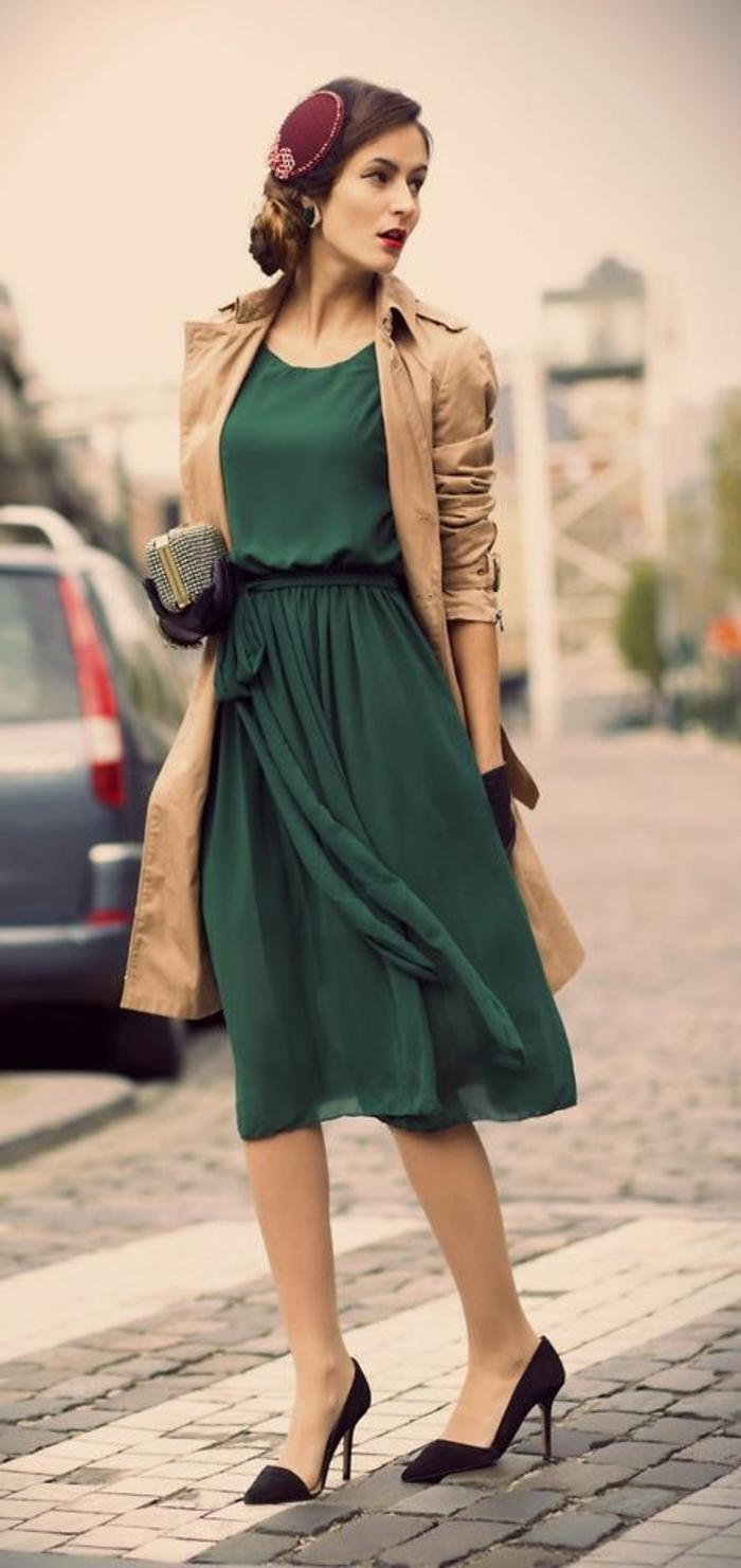 la-tenue-femme-chic-vintage-habillement-personnalisé-accoutrement-rétro