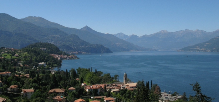 lac-de-côme-italie-bellagio-lombardia-Alpes-italiennes-jolie-vue-montagne