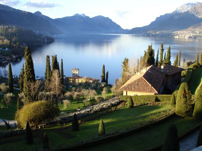 lac-de-côme-italie-bellagio-lombardia-Alpes-italiennes-laggio-di-como-montagne-verte