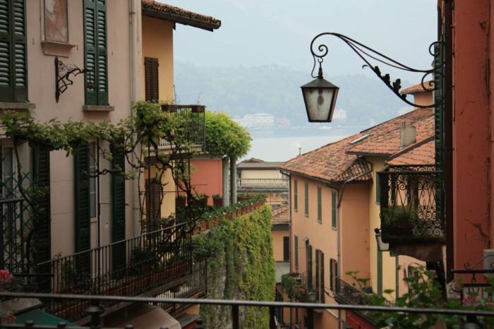 lac-de-côme-tourisme-Bellagio-italie-Lombardie-Milan-près-de-lampe-rue