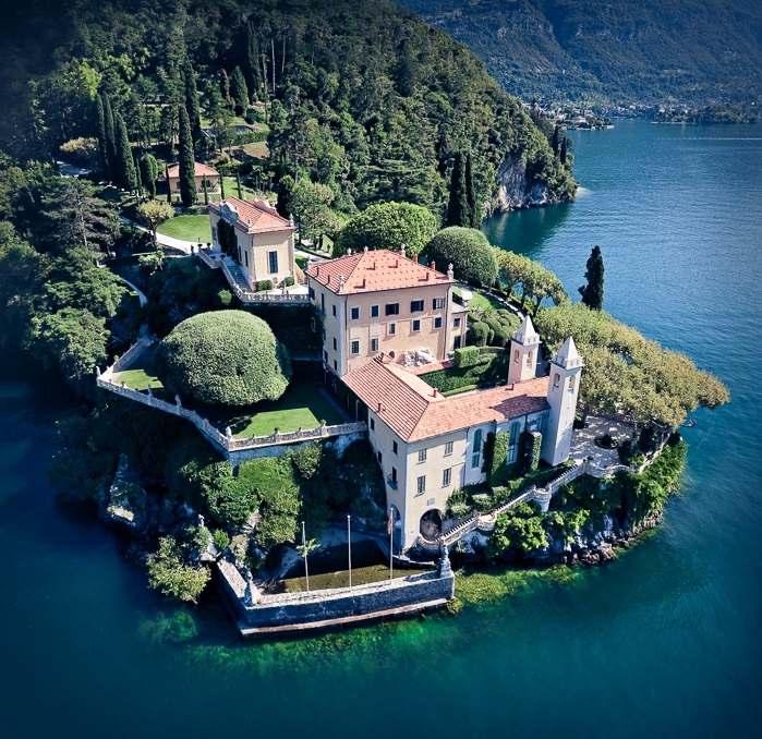lac-de-côme-tourisme-Bellagio-italie-Lombardie-Milan-vue-aeroplan-de-haut-villa