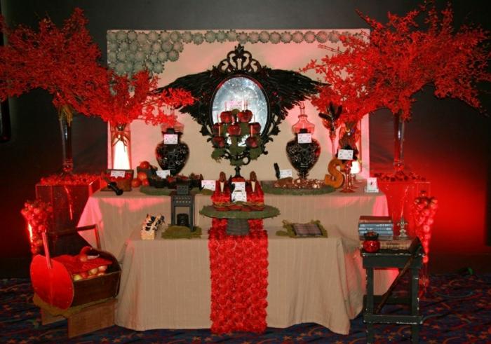 le-conte-de-fée-blanche-neige-et-les-sept-nains-idée-déco-festive-rouge