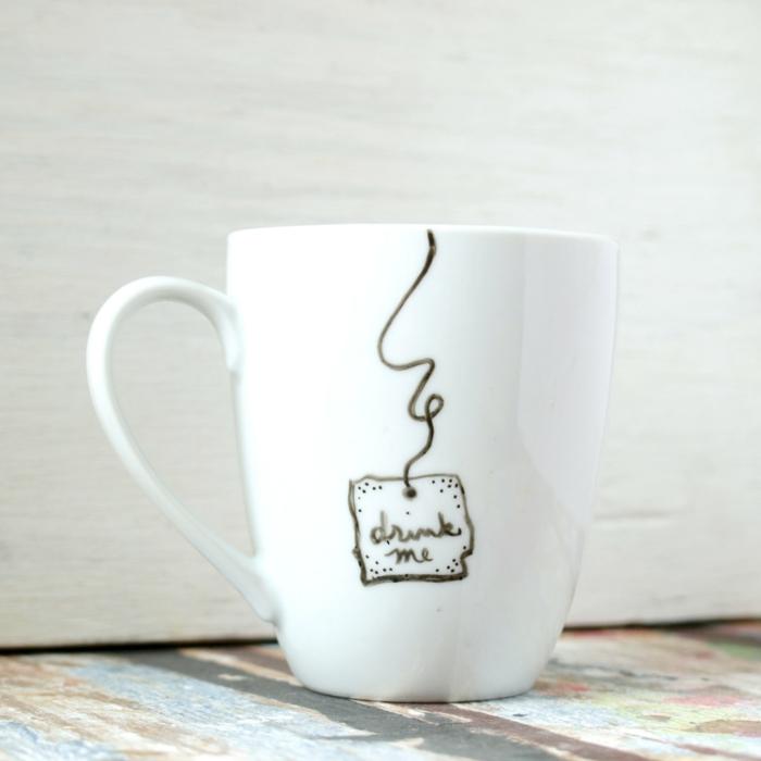 le-mug-personnalisé-pas-cher-tasse-personnalisé-cadeau-original-et-boire-moi