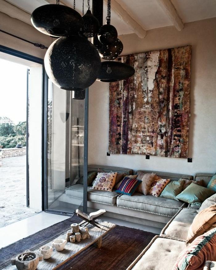 le-salon-marocain-blanc-canapé-style-marocain-comment-aménager-son-salon-lustre-originale-maison-jolie