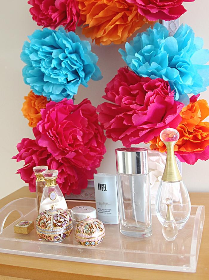 les-fleurs-papier-crepon-facile-créer-une-fleur-vous-mêmes-fleur-en-papier-crépon-idée-originale-déco