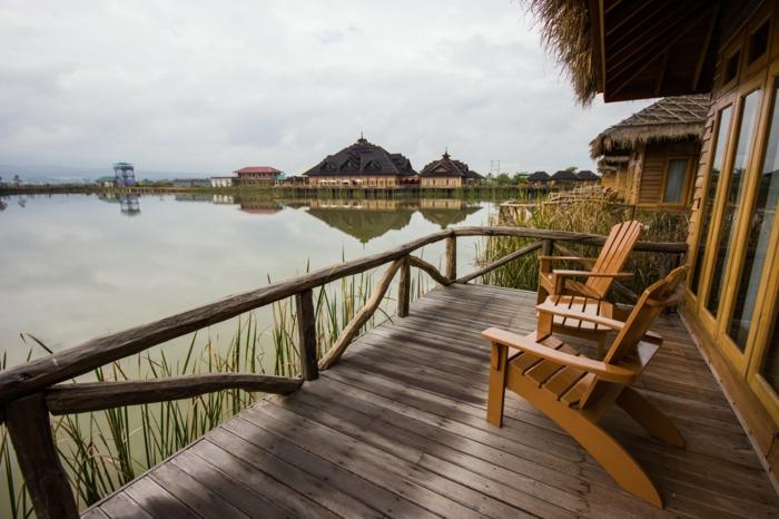 les-plus-beaux-sites-du-monde-et-un-joli-balcon-qui-vous-offre-beau-paysage