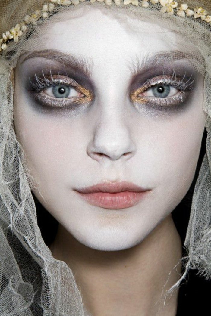 maquillage-pour-halloween-femme-maquillage-monstreux-idée-créative-mode-resized