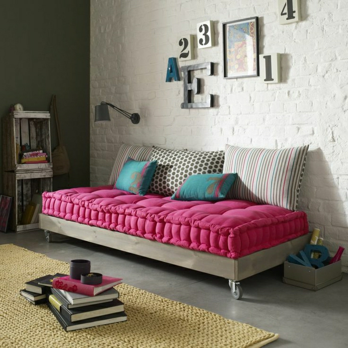 choisir un beau matelas pour banquette id es d co en 45 photos. Black Bedroom Furniture Sets. Home Design Ideas
