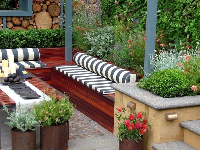 Choisir un beau matelas pour banquette id es d co en 45 for Small outdoor decorating ideas