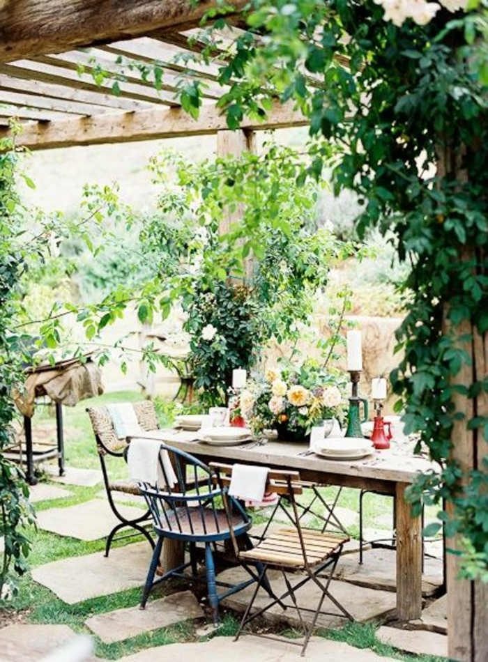 meubles-de-jardin-sol-pelouse-verte-meubles-de-jardin-chaise-en-fer-forgé-pelouse-verte