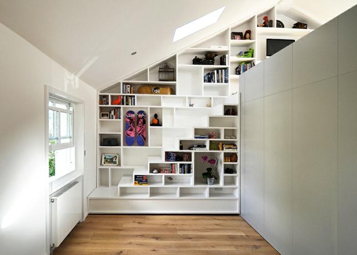 meubles-sous-pente-étagère-intégrée-en-pente