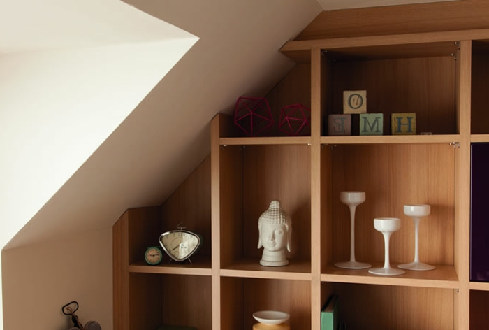 meubles-sous-pente-étagères-sous-combles