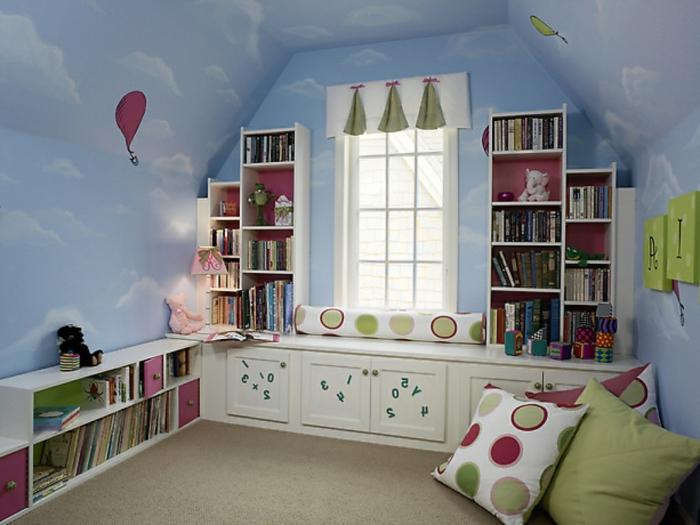 meubles-sous-pente-chambre-d'enfant-étagères-sous-pente