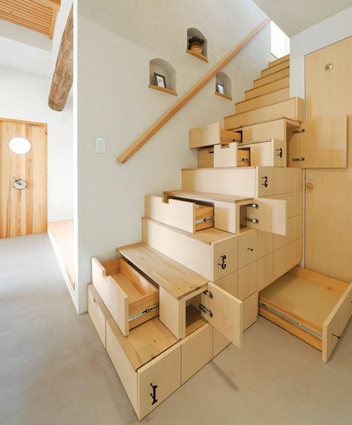 Les meubles sous pente solutions cr atives - Escalier avec rangement ...